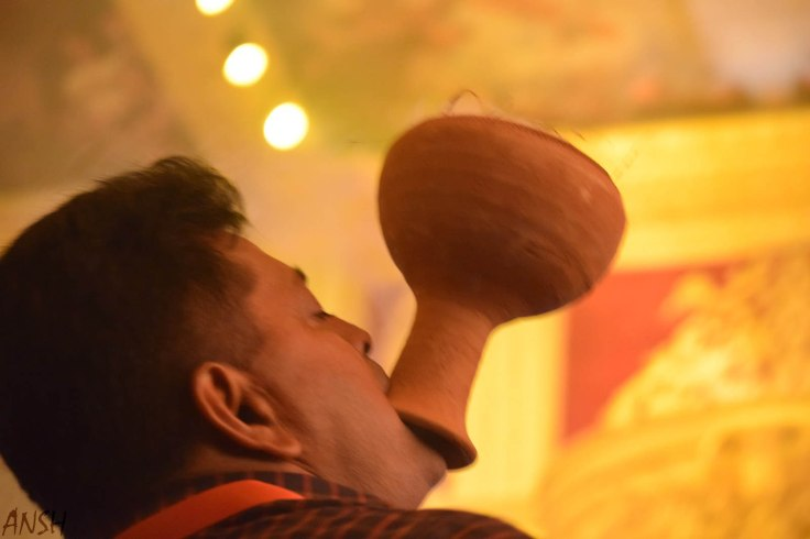 Dhanuchi performer