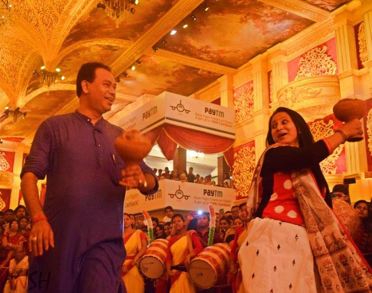 Dhanuchi couples Durga Puja