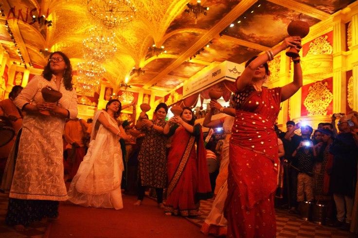 Bengali community dance Dhunuchi