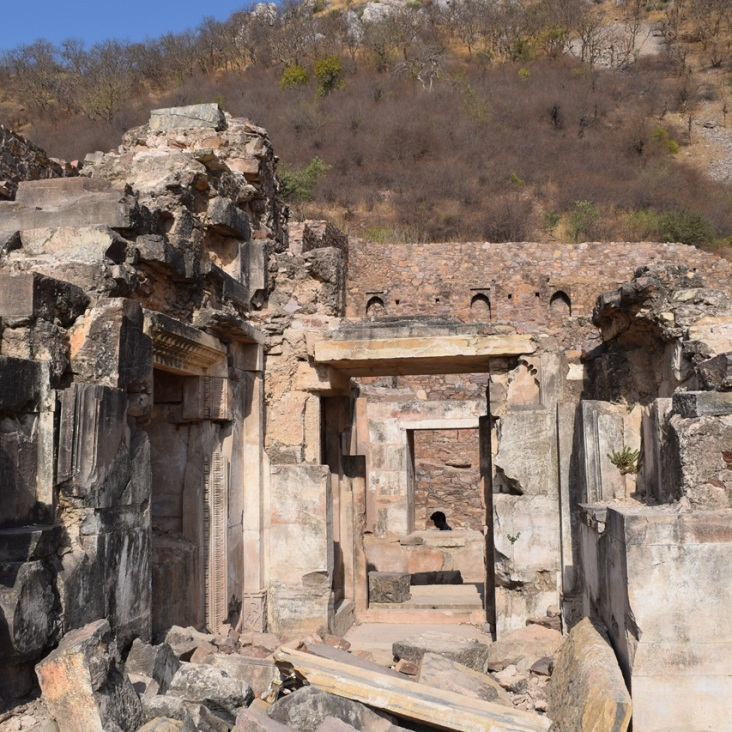 bhangarh-fort-outside