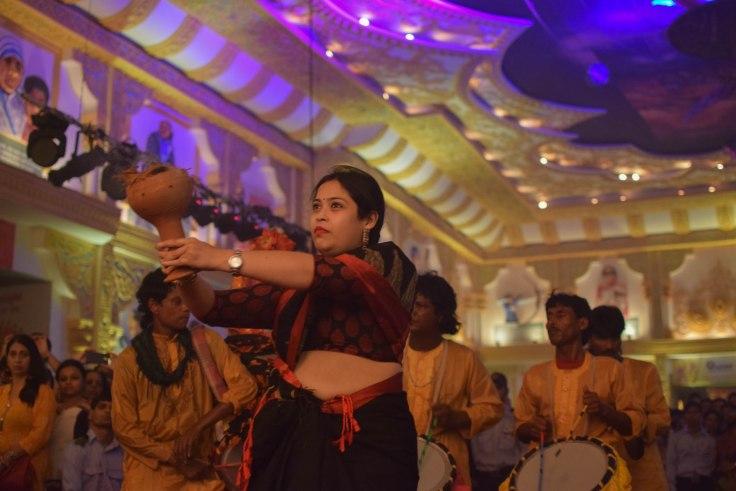 Dhanuchi dance durga puja Kolkata