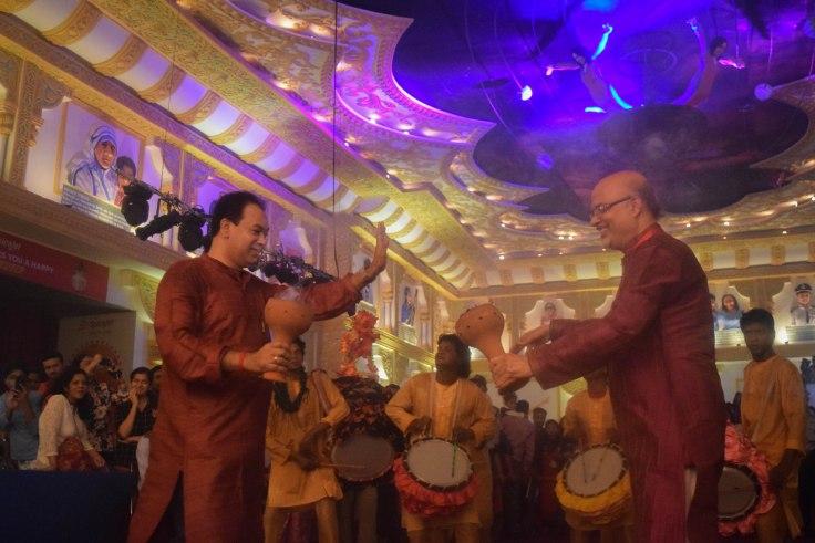 Dhunuchi dance kolkata durga puja
