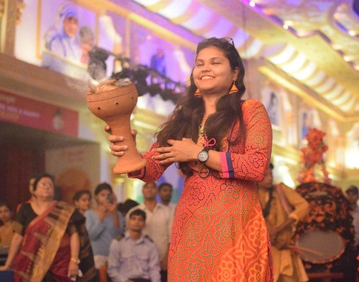 Dhunuchi dance at Kali Bari Chittaranjan Park